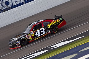 Annett holds on for a 14th place finish at Darlington