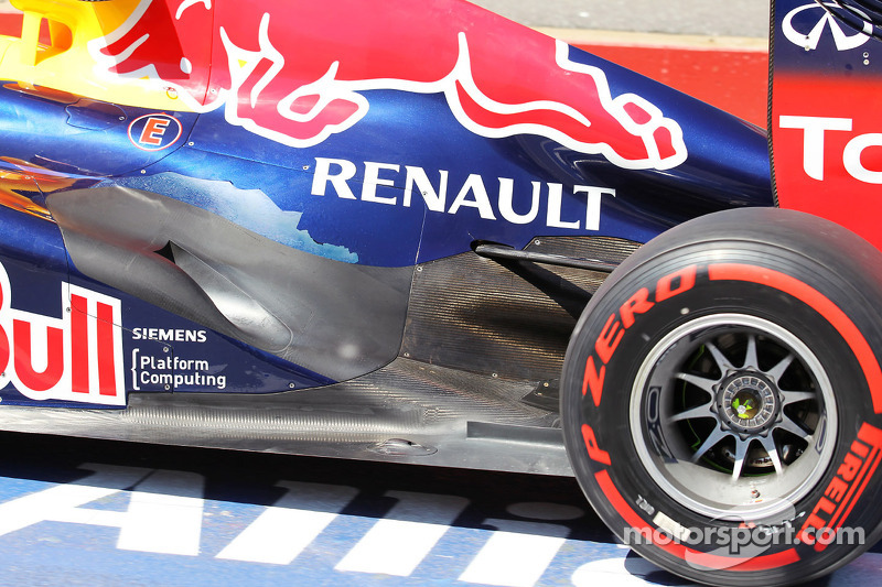 Vettel claims closely-fought pole with Pirelli supersoft tyres in Montreal