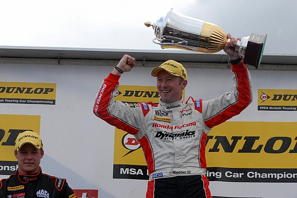 Shedden takes championship lead after Oulton