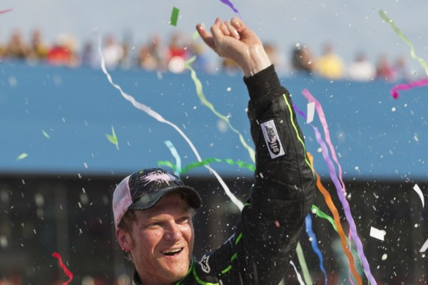 Four NASCAR drivers make SI's 50 richest American athletes