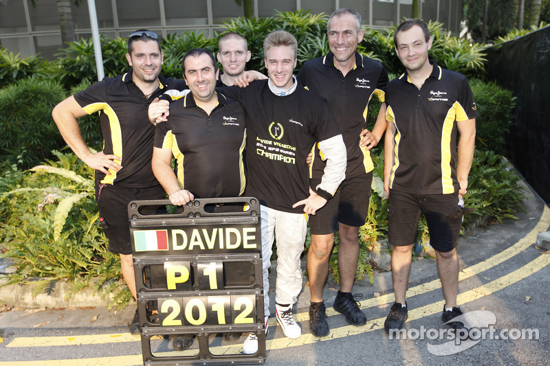 Valsecchi and DAMS earn 2012 title in race 1 at Singapore
