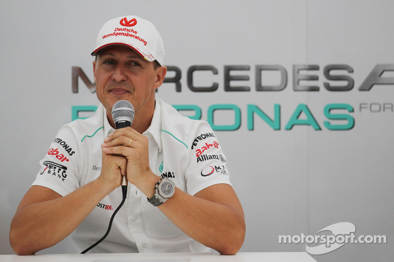 Michael Schumacher announces retirement from Formula One