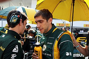 Petrov says F1 career not definitely over
