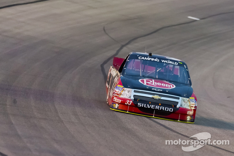 Gale driver his ESR Chevrolet to a seventh place finish at Phoenix