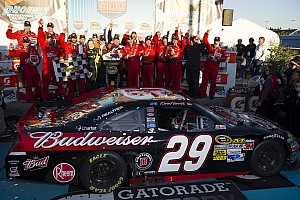 Harvick gets Phoenix 500 win for Richard Childress Racing