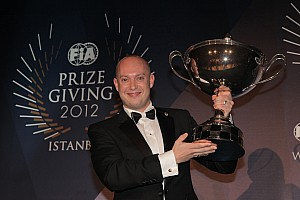 Rob Huff and Chevrolet received 2012 awards at FIA Gala in Istanbul