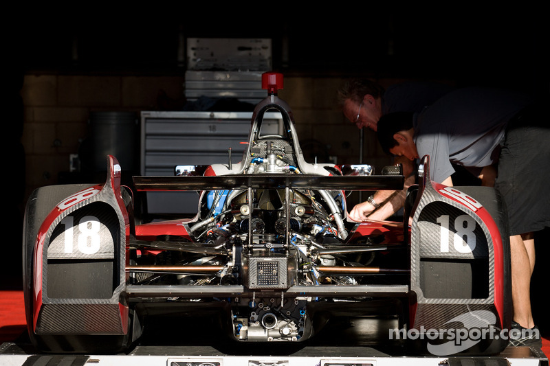 Chevrolet and Honda undergo pre-season engine homologation
