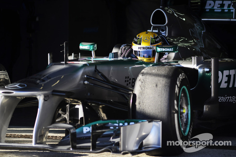 Hamilton says Rosberg 'underestimated'