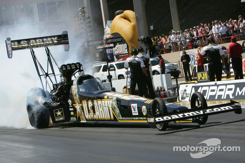 Schumacher wins 72nd career pole to extend his Top Fuel record in Pomona