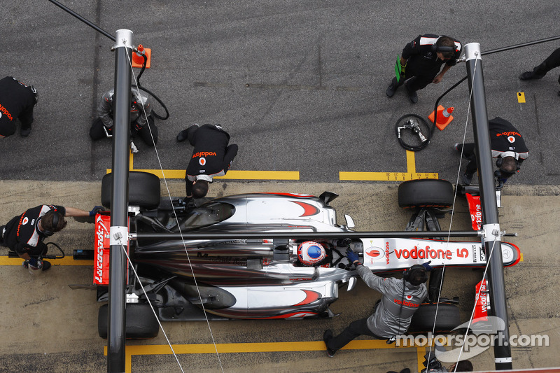 McLaren struggling with 2013 car - Button