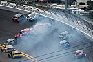 Early crash dashes Stewart's Daytona 500 hopes