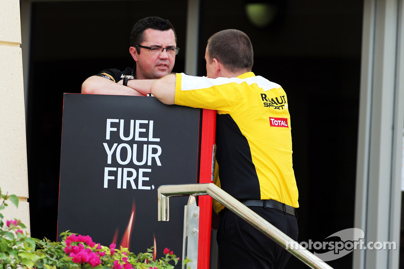 Tyre change 'like widening football goals' - Boullier