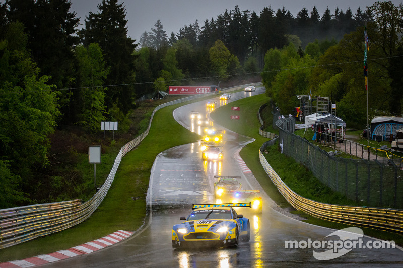 Aston Martin in top ten at Nürburgring 24 Hours at twenty-hour mark