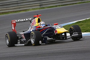 GP3 Practice report Sainz sets the pace in Free Practice in Silverstone