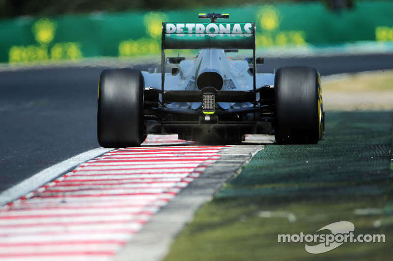 Pirelli: Two to three pit stops expected for the Hungarian GP