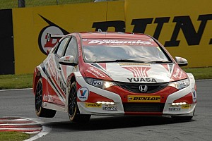 BTCC Race report Shedden wins frenetic Snetterton finale