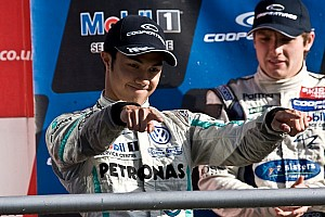 Grand finish: Jaafar leads Carlin podium sweep in race 3 at Brands Hatch