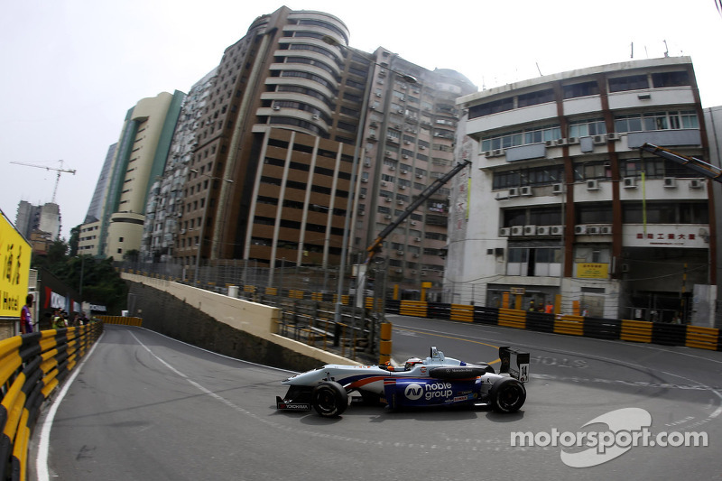 Rosenqvist on provisional pole for Macau