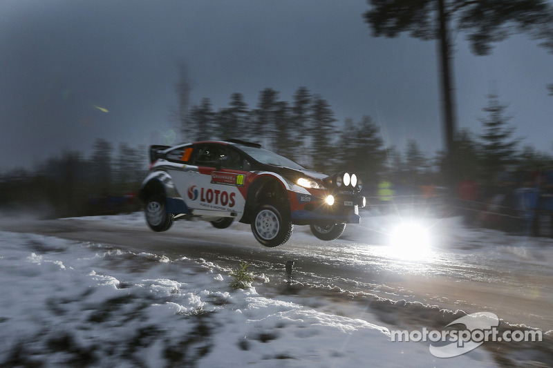 Steep learning curve as Kubica battles on in Sweden