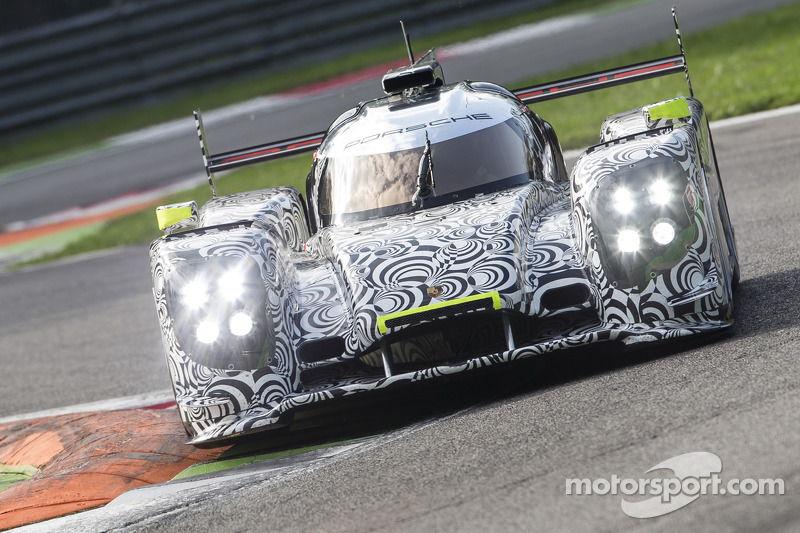 Porsche starts in Le Mans with four works cars