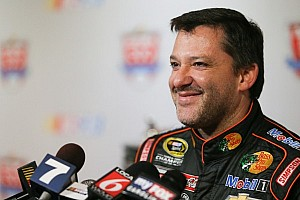 NASCAR Sprint Cup Breaking news Tony Stewart eagerly awaits his comeback race, the Daytona 500