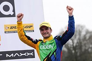 BTCC Race report Turkington fends off teammate Collard to win Race One