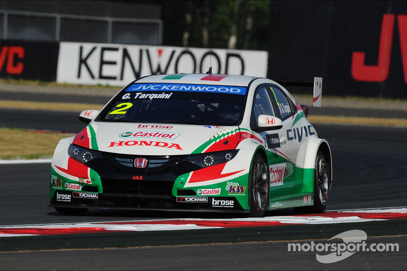 Honda Civics take podium place in both races at Moscow
