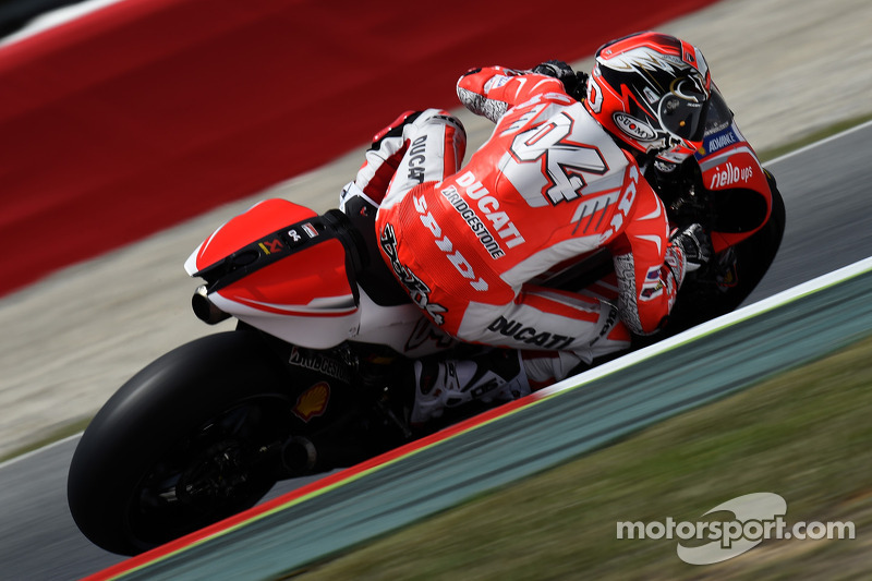 Dovizioso finishes eighth in Catalunya GP, Crutchlow forced to retire