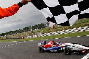 Formula Renault Race report Championship leader Fittipaldi unstoppable at Brands Hatch