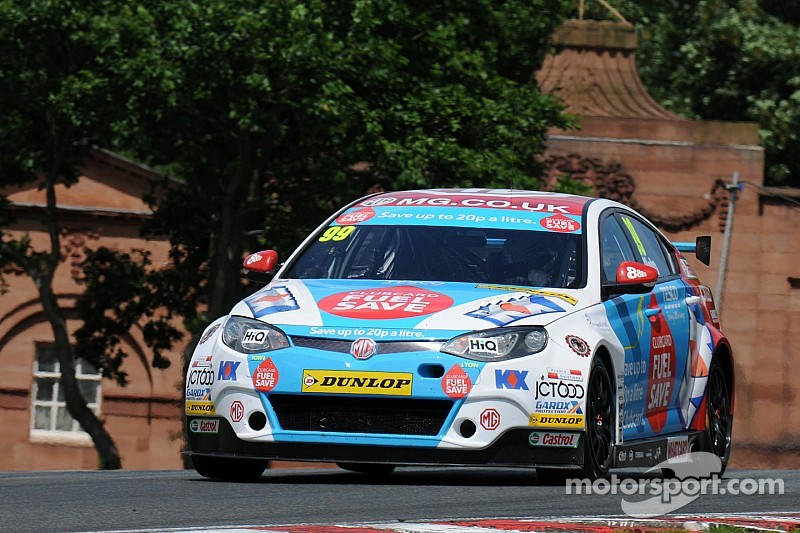 Plato produces lights-to-flag victory in Race One
