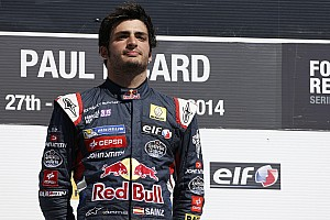 Sainz eyes F1 future despite Verstappen setback