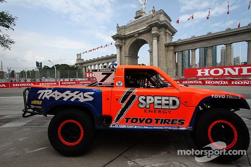 hummer rc truck with Stadium Super Trucks Moves Las Vegas Date on Product product id 523 as well Matt Tracks dVamBmiIDfBJclc 7CY9jPR3nxRIJfMUrWD0oS2 J8FR8 as well Review Axial Scx10 Jeep Wrangler G6 Kit additionally Randy Slawson Is Crowned At The 2015 King Of The Hammers additionally 445 Custom Hummer H2 Interior Wallpaper 5.