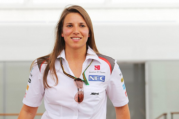 De Silvestro parts ways with manager
