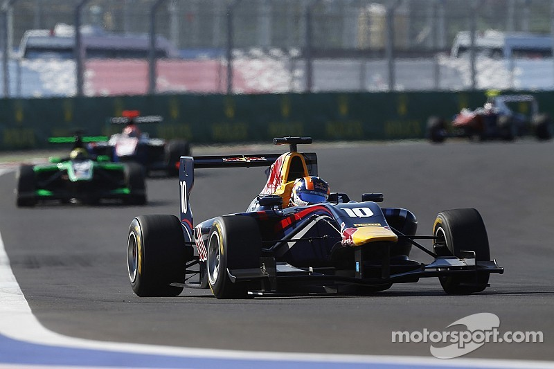 Lynn takes first blood at Yas Marina