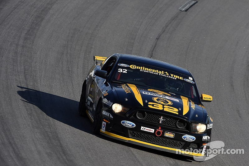 Phoenix, Calvert to run Pirelli World Challenge in 2015