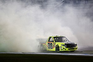 Crafton dominates Truck race at Atlanta