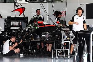 На автомобиле Алонсо заменили элементы силовой установки