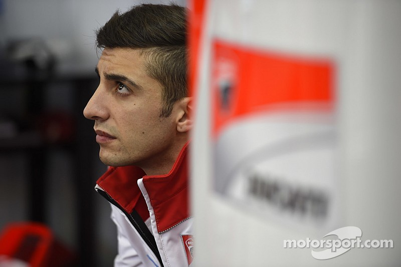 Iannone dislocates shoulder in test crash