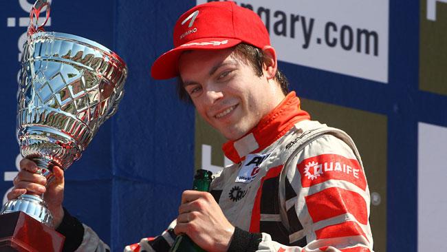 Quaife-Hobbs domina gara 1 a Budapest