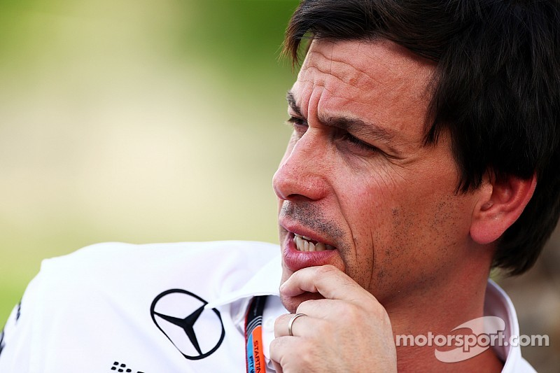 Wolff says Formula 1 refuelling return will be ditched if costs are too high