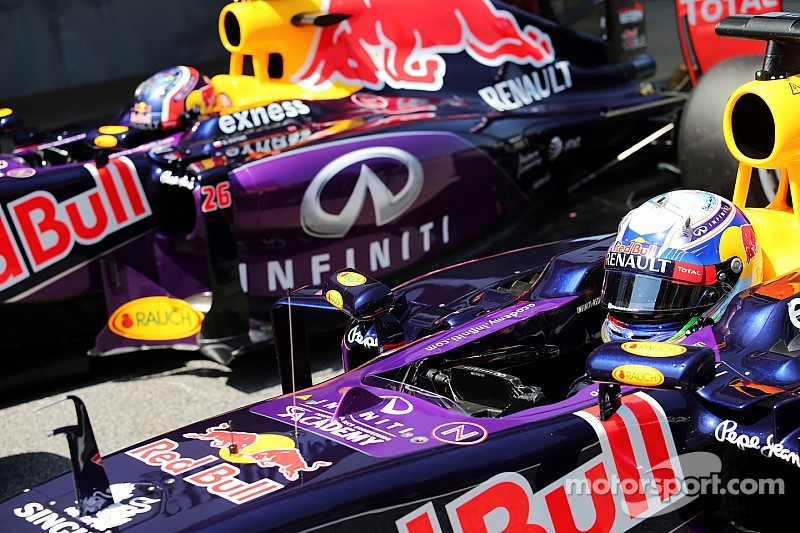 Ricciardo reclama que não consegue compensar a falta de velocidade com downforce