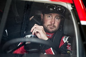 Kurt Busch is fastest in Happy Hour