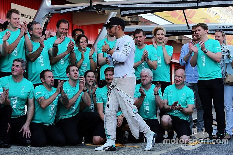 Hamilton, el mejor piloto según jefes de equipos