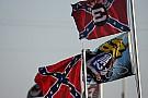 NASCAR pide a los fanáticos abstenerse de usar la bandera confederada