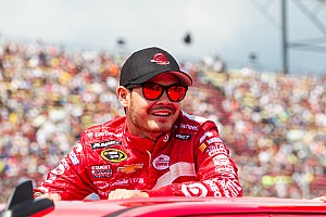 Larson tops eventful first practice at Bristol