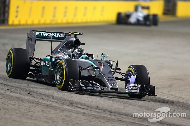 Singapore GP: Rosberg quickest in FP1 as Rossi crashes