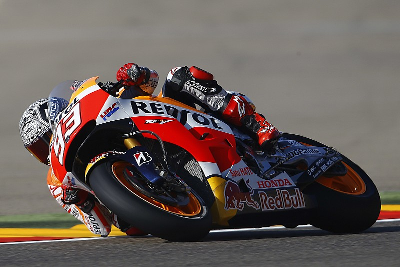 "Marquez expects ""tricky"" race after lap record pole"
