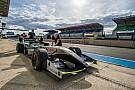 راسل وكيرشوفر يتصدّران لائحة المشاركين في اختبارات الفورمولا رينو 3.5 في خيريز