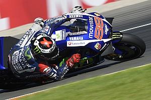 MotoGP Race report Valencia MotoGP: Lorenzo crowned champion despite heroic Rossi surge