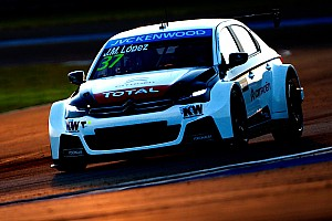 WTCC Practice report Qatar WTCC: Lopez quickest in final Thursday practice